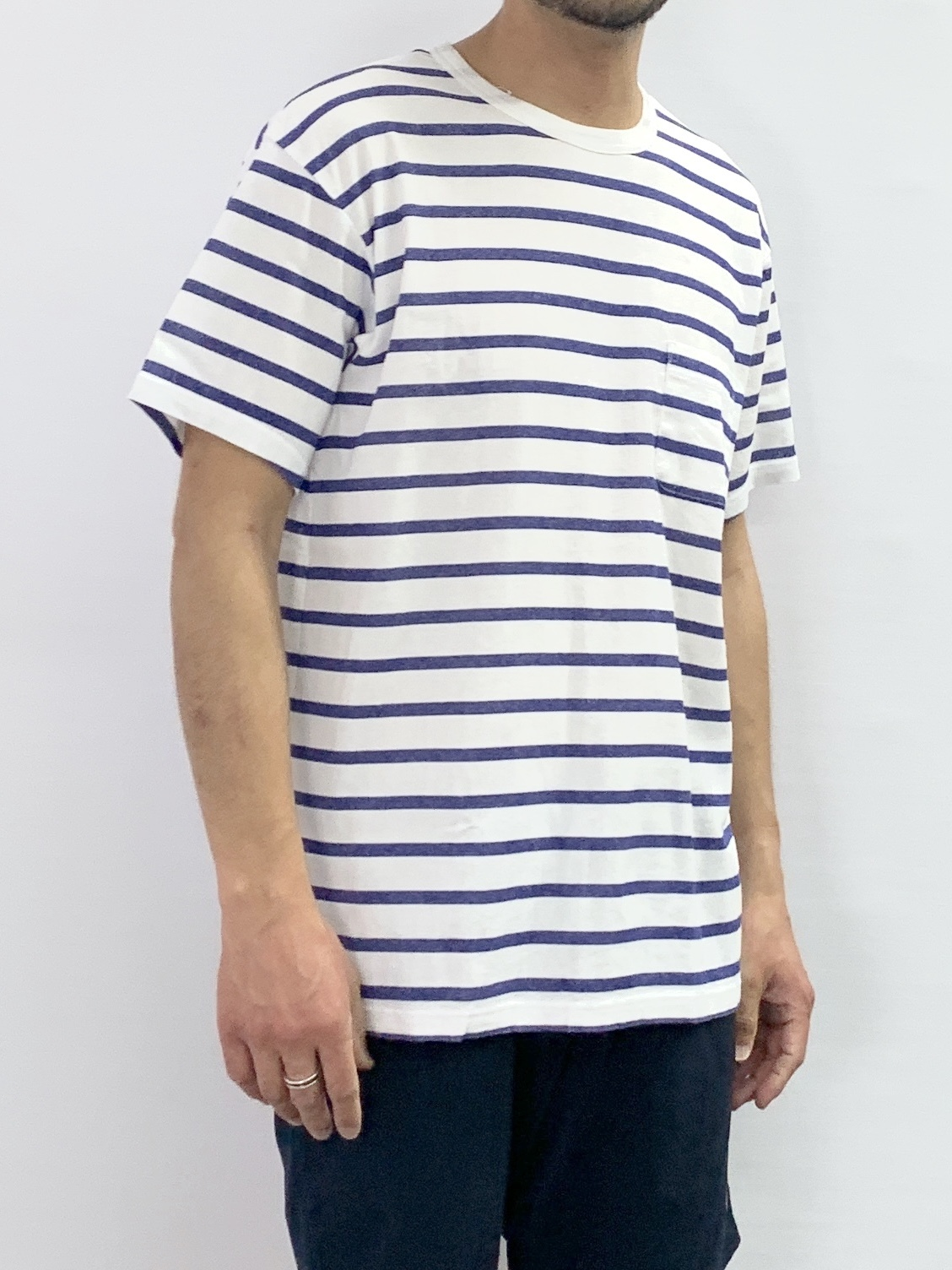 CREW NECK BORDER POCKET SHORTSLEEVE T-SHIRT