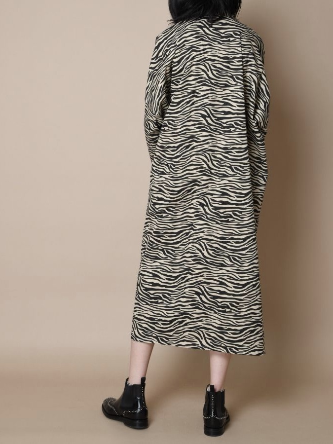 QUILT FRONT DOLMAN SLEEVE LONG ONE-PIECE3